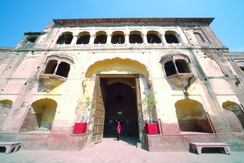 Taksaali Gate