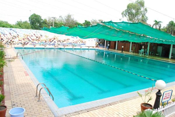 Swimming for Public swimming pools in ajman