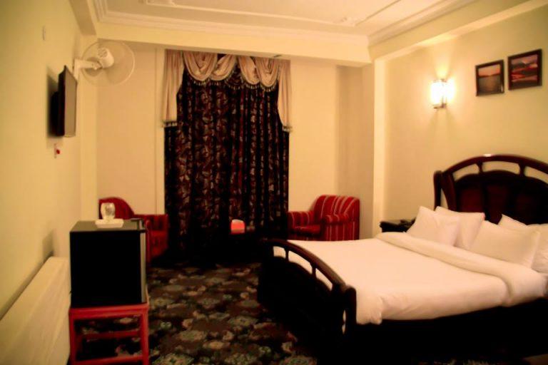 Hotel Metropole Murree